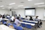 埼玉県さいたま市浦和区で、5月19日(土)、発達障害など、発達が気になる生徒のための合同進路相談会が開催されました。幼児の子育てから中高生の就学や進路、成人の就労相談まで対象は幅広く、埼玉県内の支援団体や親の会などが個別に相談に応じました。