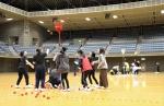 一ツ葉高等学校(本校:熊本県上益城郡)が11月21日(水)、関東3キャンパスによる合同の体育祭を神奈川県川崎市の「とどろきアリーナ」で実施しました。出場キャンパスは代々木、立川、千葉で、全8種目がキャンパス対抗で競われました。