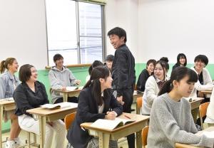 進学希望者はしっかり確実に合格をめざす。ゆっくり学びたい人には無理せず自分のペースで学べます。