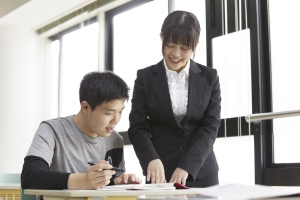 ティーチングアシスタントが学習面・生活面のアドバイスを行います