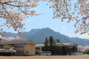 地域に愛される伝統の木造校舎